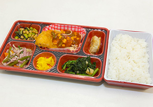 昼食サービス(有料)